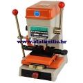 Stroj za narezivanje izradu ključeva bušenjem AMGDR 368
