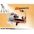 Stroj za narezivanje izradu sef ključeva AMGDR202