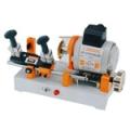 Stroj za narezivanje izradu cilindar ključeva AMGDR218D